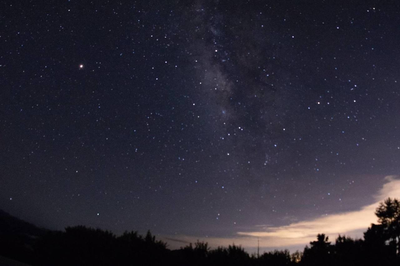 浩瀚夜空,繁星點點。圖/嘉義林區管理處提供