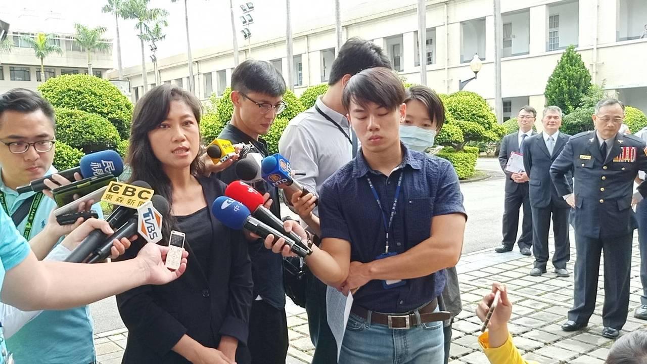 行政院發言人谷辣斯指出,蘇麗瓊請辭是為照顧年邁母親,並非為了輔選。記者廖炳棋/攝...