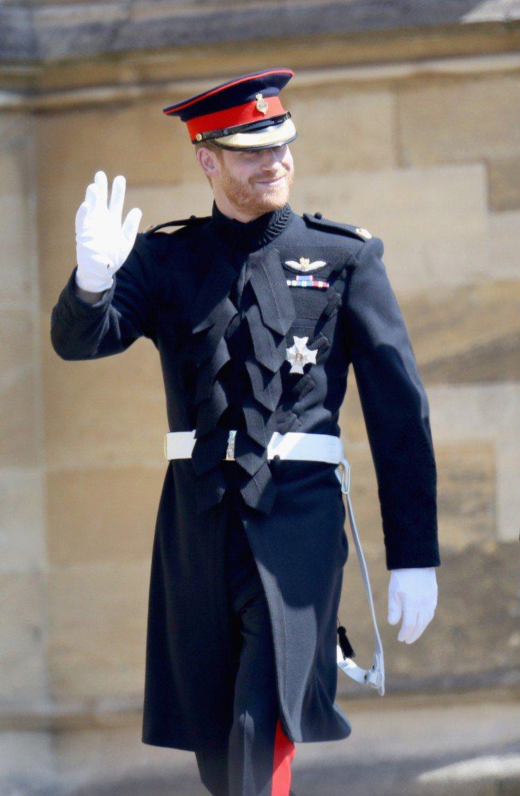 哈利王子於婚禮上穿著的同款英國皇家騎兵隊制服禮服外套也會於溫莎城堡展出。圖/Ro...
