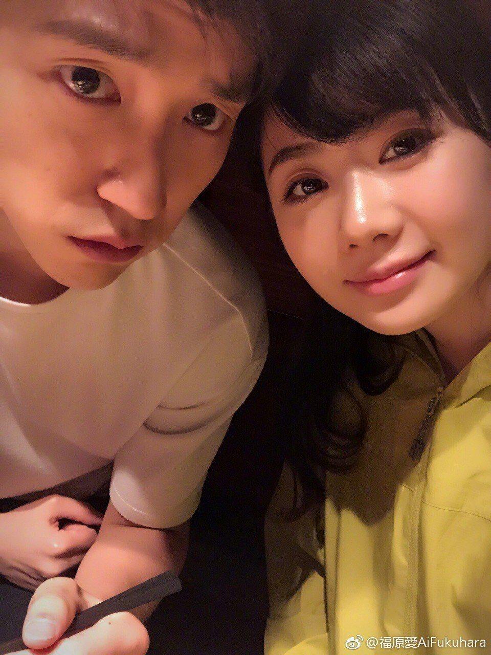 福原愛和江宏傑互動甜蜜逗趣。圖/截自YouTube