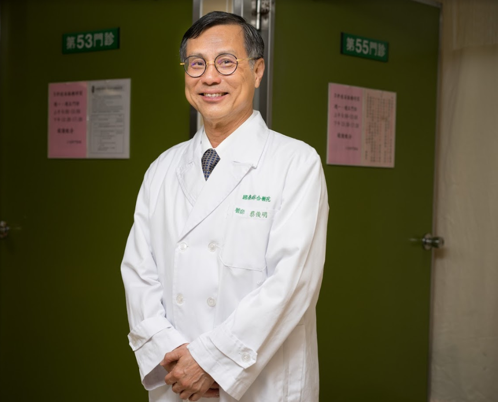 肺癌嚴重危及國人健康,蔡俊明醫師表示,癌友千萬不可對某種治療期待太高、過於樂觀,...