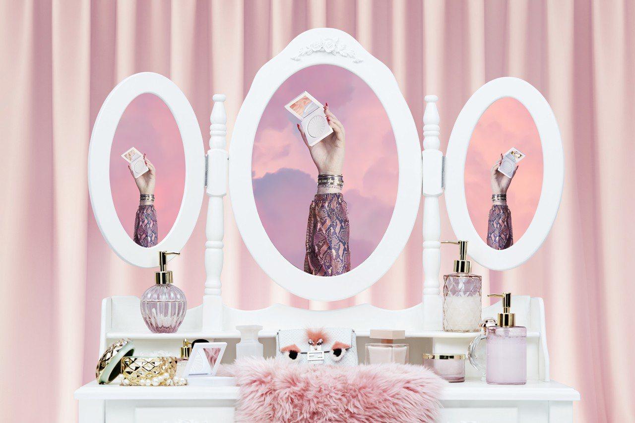 風靡歐美名人部落客的美國彩妝品牌OFRA,2018年進行品牌大變身,就連品牌LO...