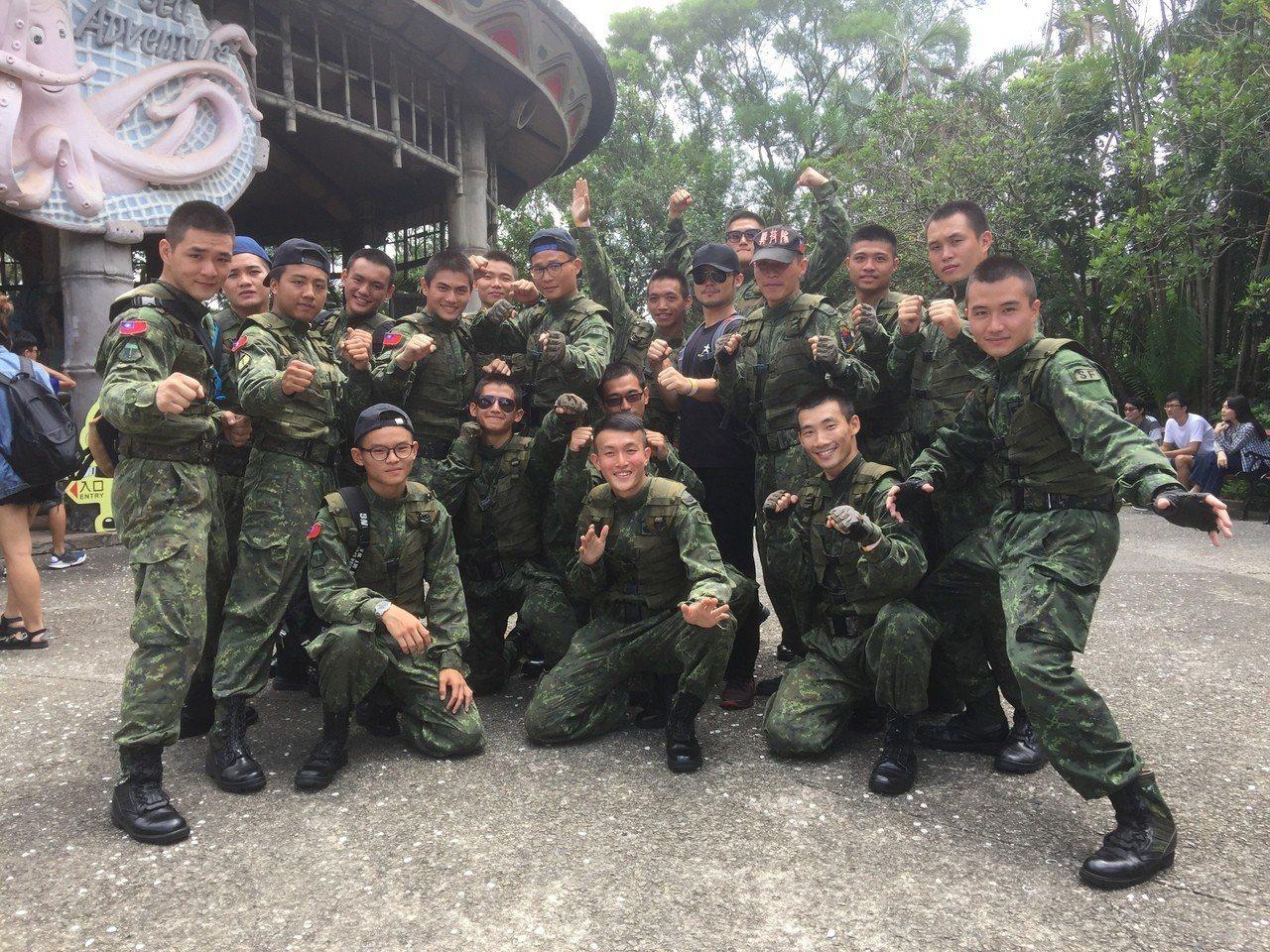 9月3日軍人節當天還有針對國軍弟兄的特殊好康,只要是陸海空現役軍人,當天穿上軍服...