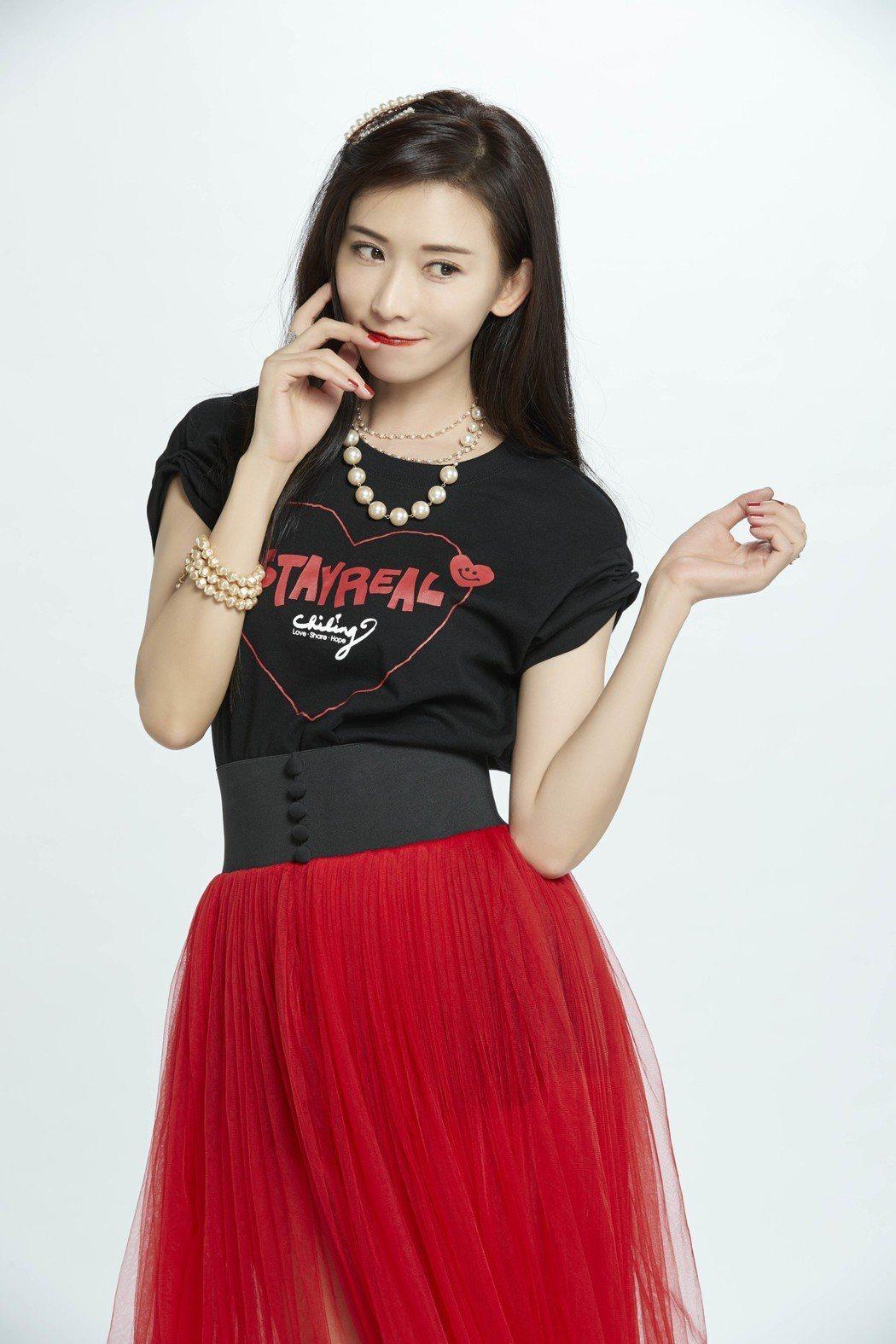 林志玲親上陣為Stayreal聯名商品拍攝形象,讓大家看到更多不一樣的她。圖/S...