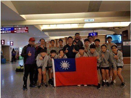 中華隊今年亞錦賽是由鶯歌國中與鶯歌高職籃網球選手為主力。圖/籃網球協會提供