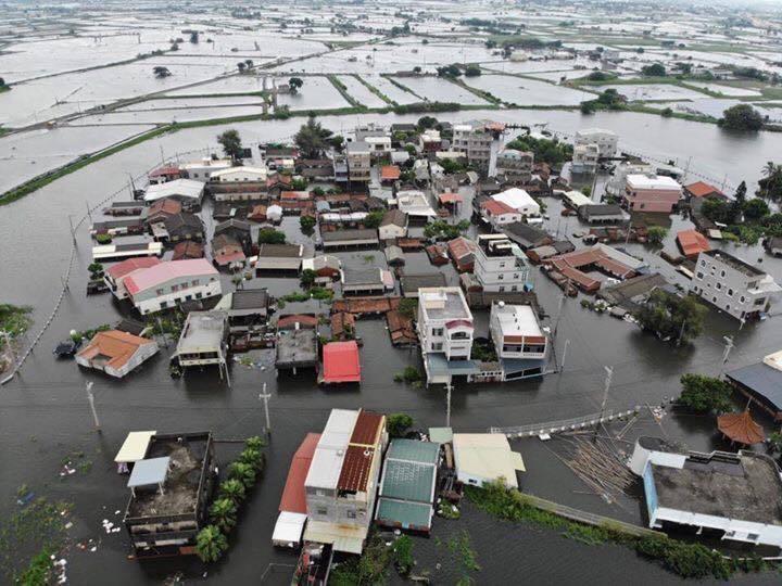 823水災讓南部許多縣市都出現淹水情形,民進黨鐵票倉因此生鏽。圖/嘉義縣政府提供