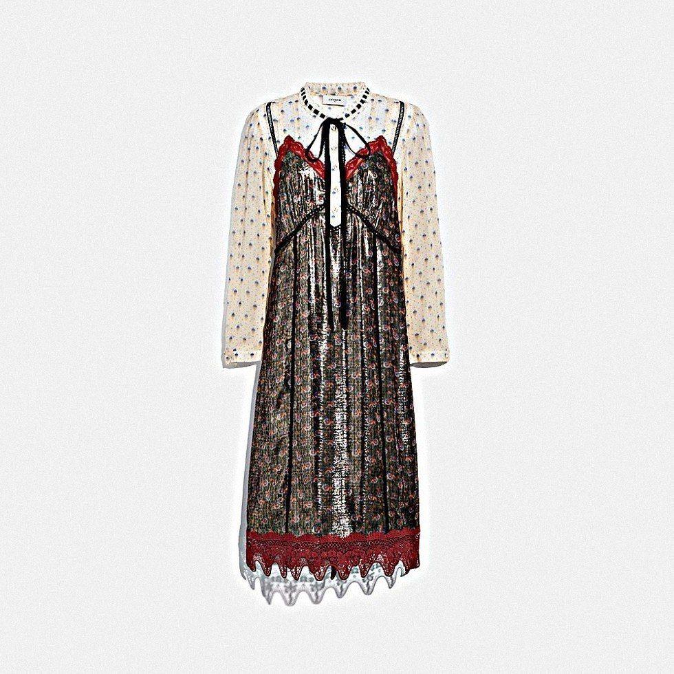 印花蕾絲裙裝,售價35,800元。圖/COACH提供