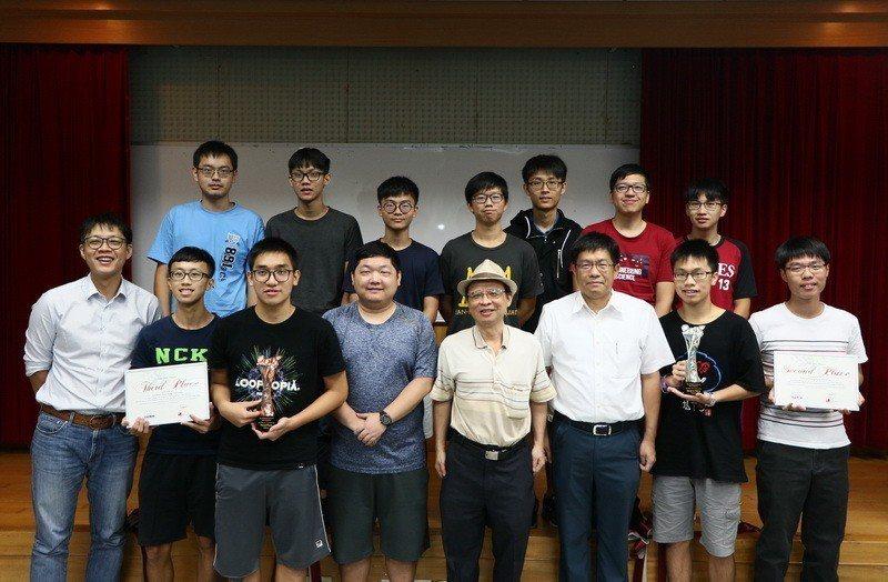 成大工科系學生組隊參加新加坡主辦的首屆亞太地區「高速運算與人工智慧(HPC-AI...