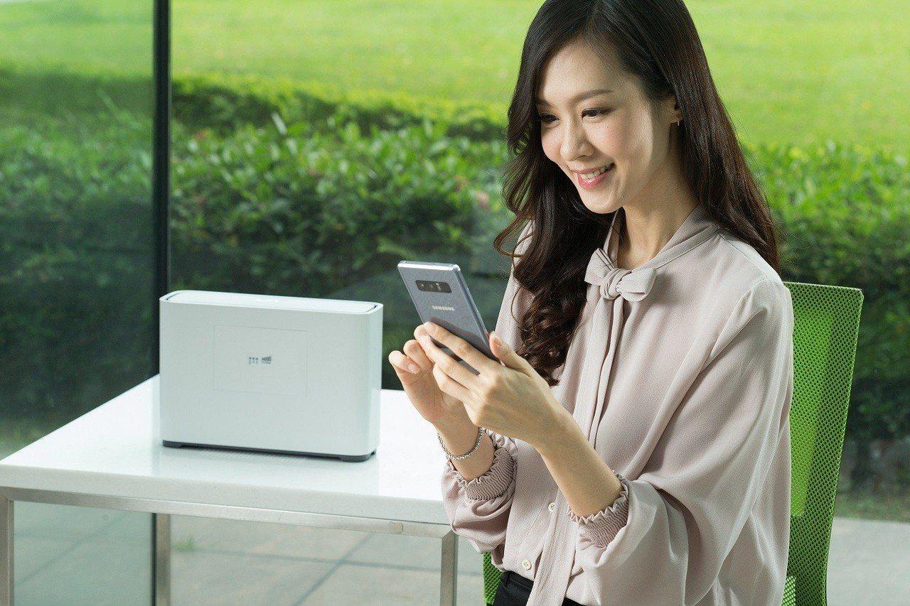 亞太電信「魔速方塊2.0」可有效改善室內深處涵蓋並提升網速。圖/亞太電信提供