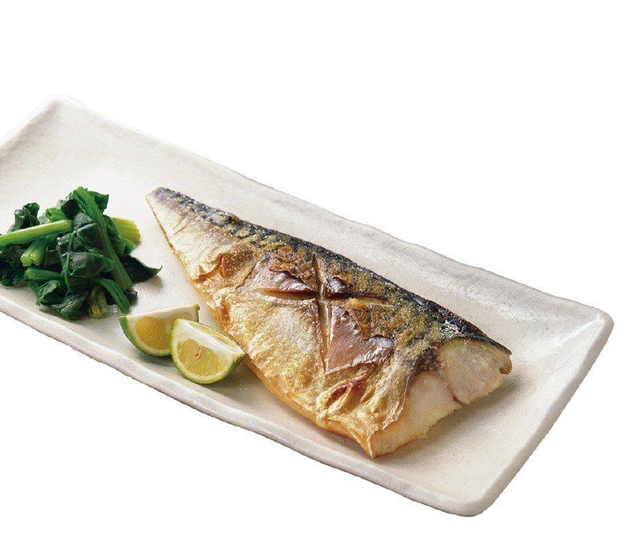韓國水協薄鹽鯖魚-微波即食,特價10包500元。圖/遠百提供