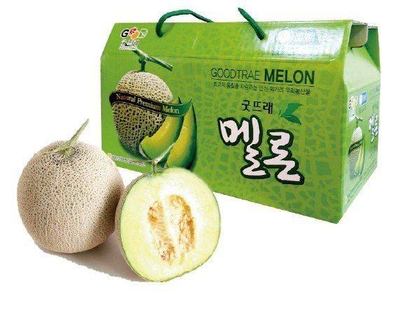 韓國精選哈密瓜原價2入850元,中秋預購價765元。圖/遠百提供