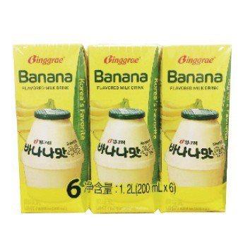 周一買一送一,香蕉牛奶6入/組售價250元。圖/遠百提供