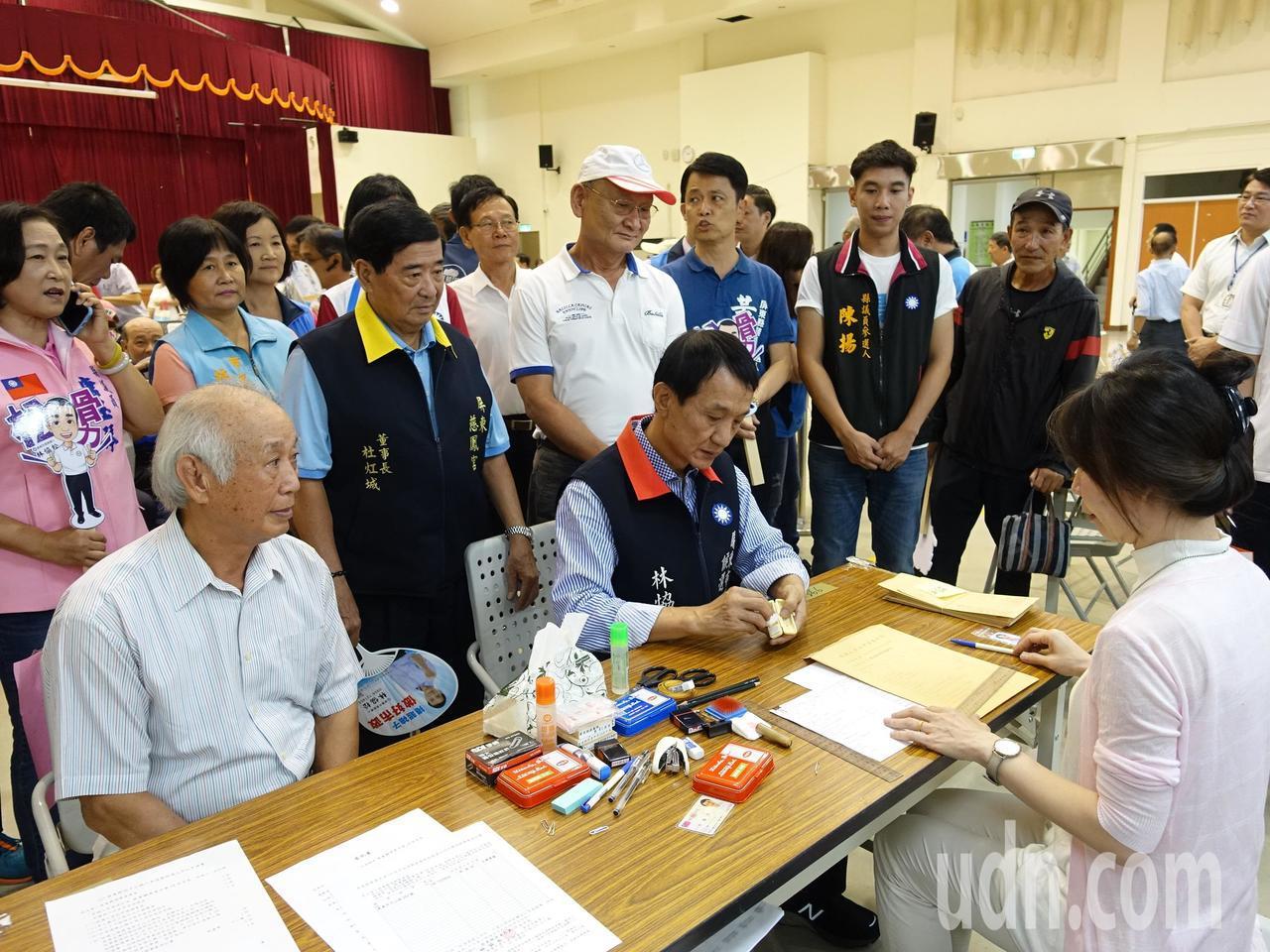 屏東縣今天總計有309人完成參選登記。記者翁禎霞/攝影