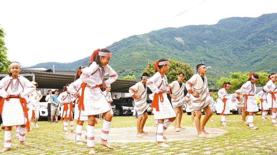 花蓮萬榮太魯閣民族教育小學昨天開學,是台灣第1所辦理太魯閣族實驗教育的小學。 圖/教育部提供