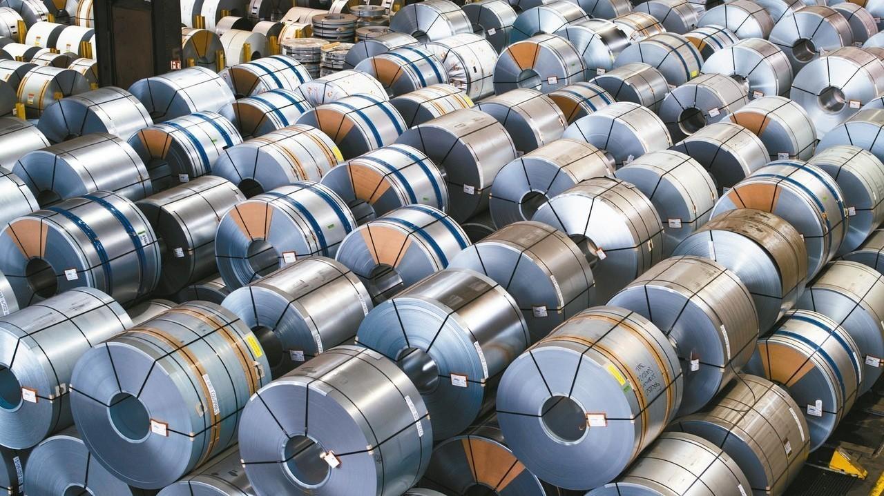 世紀鋼量價俱揚竄高,帶動鋼鐵股在盤面表現亮眼。 聯合報系資料照