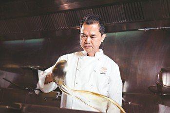 台北文華東方酒店雅閣中餐廳主廚謝文。 圖/文華東方酒店提供