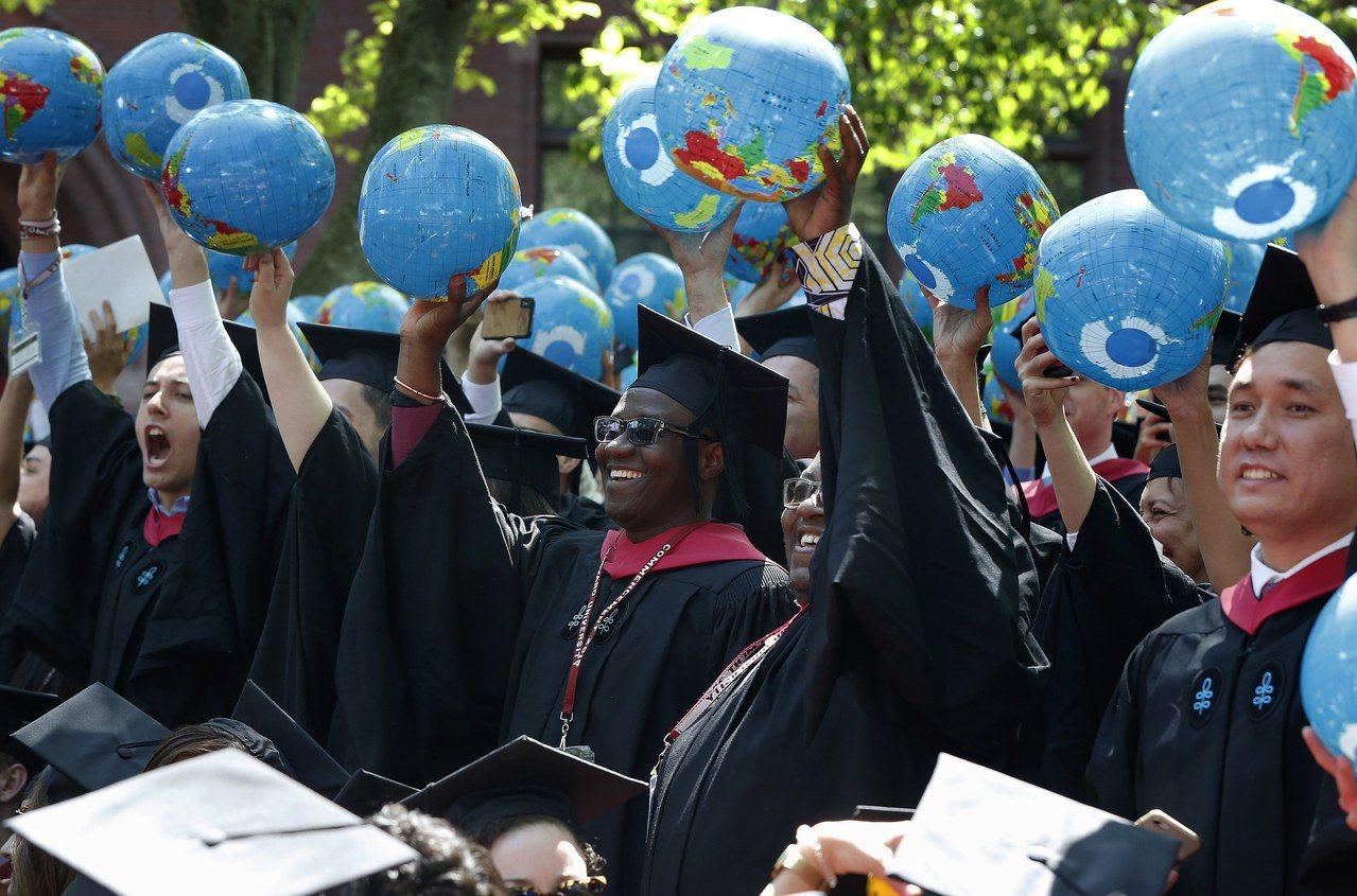 哈佛大學招生程序,導致亞裔入學嚴重居於劣勢,支持公平入學組織歡迎司法部支持。 美...
