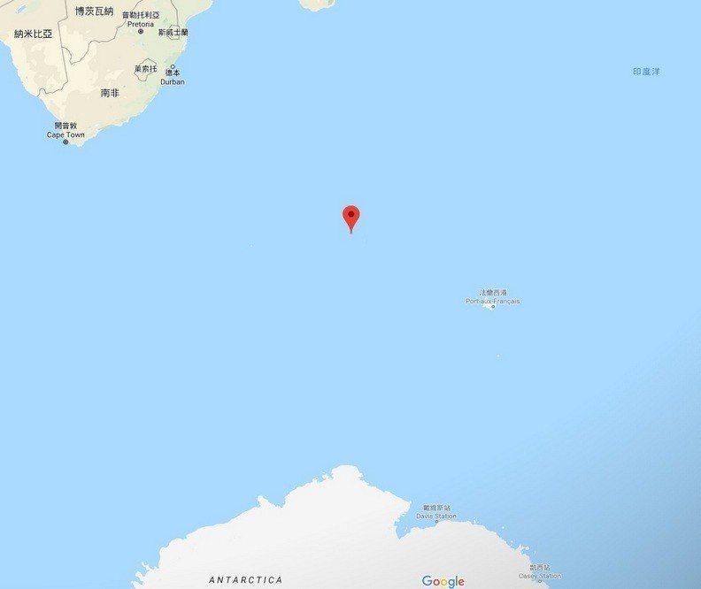 在非洲東南角、南極洲北方、印度洋和大西洋的交會地,有一座無人居住的科雄島。