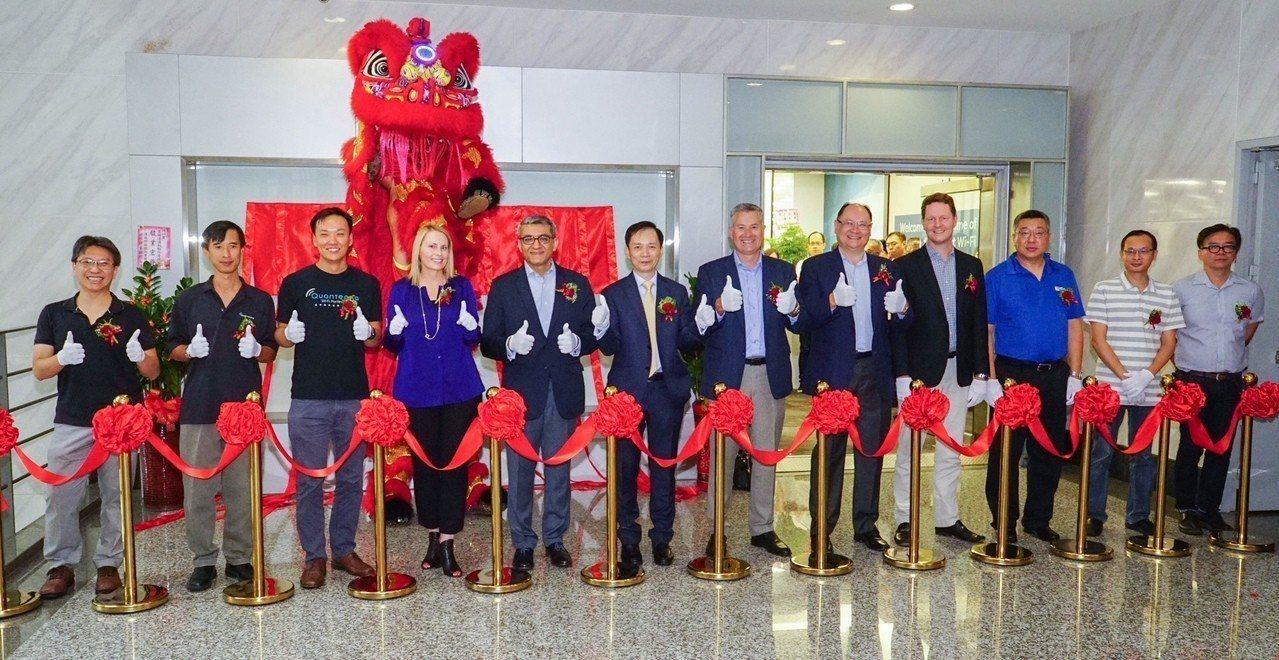 寬騰達通訊舉行喬遷慶祝茶會,正式入主台北內湖遠雄時代總部大樓。圖/寬騰達通訊提供