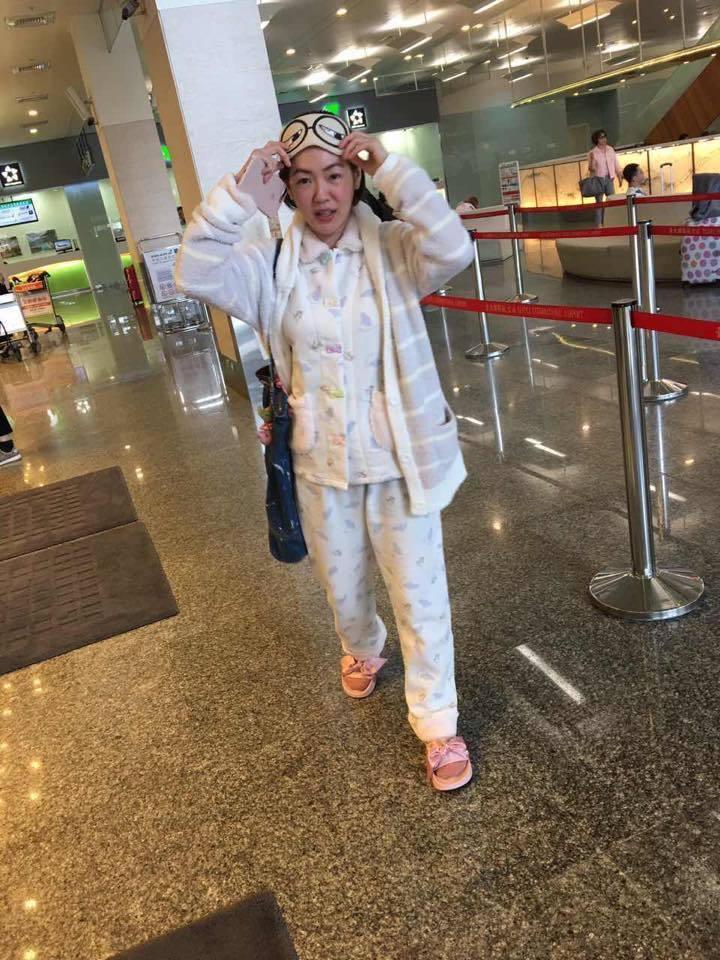 小S去年穿著睡衣現身機場。圖/擷自小S臉書
