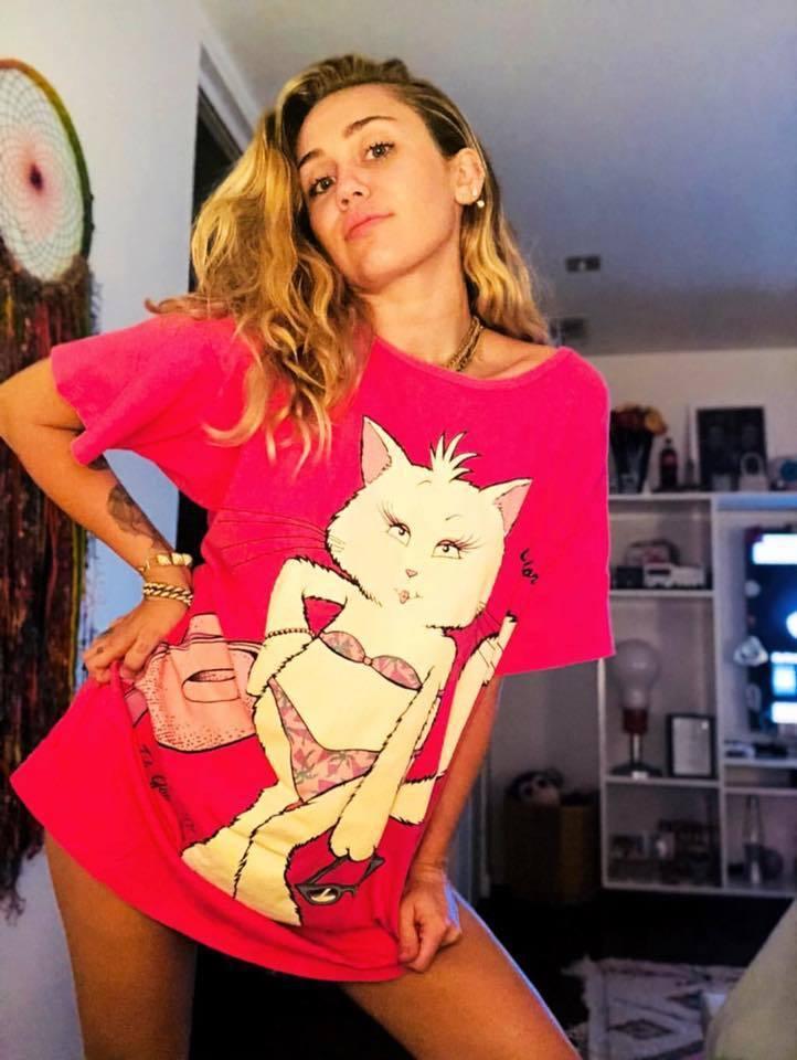 超有個性、曾經很ㄎㄧㄤ但粉絲還是愛她的美國小天后麥莉希拉。圖/擷自Miley C...
