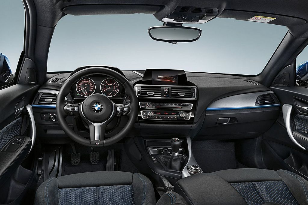 BMW特有的ConnectedDrive智慧互聯系統,可提供線上生活資訊、智能遠...