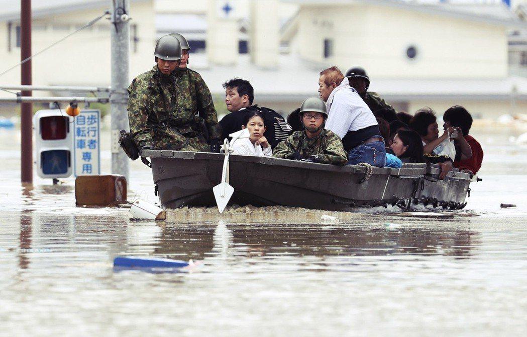 避難警報為何沒有用?這次水災的避難率比預期來得低,將近5成受災民眾是被救出、而非...