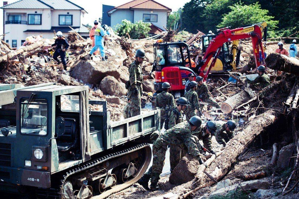 自衛隊人力夠嗎?西日本有部分自治體指出,向自衛隊發出支援邀請,但人力調度延遲之外...
