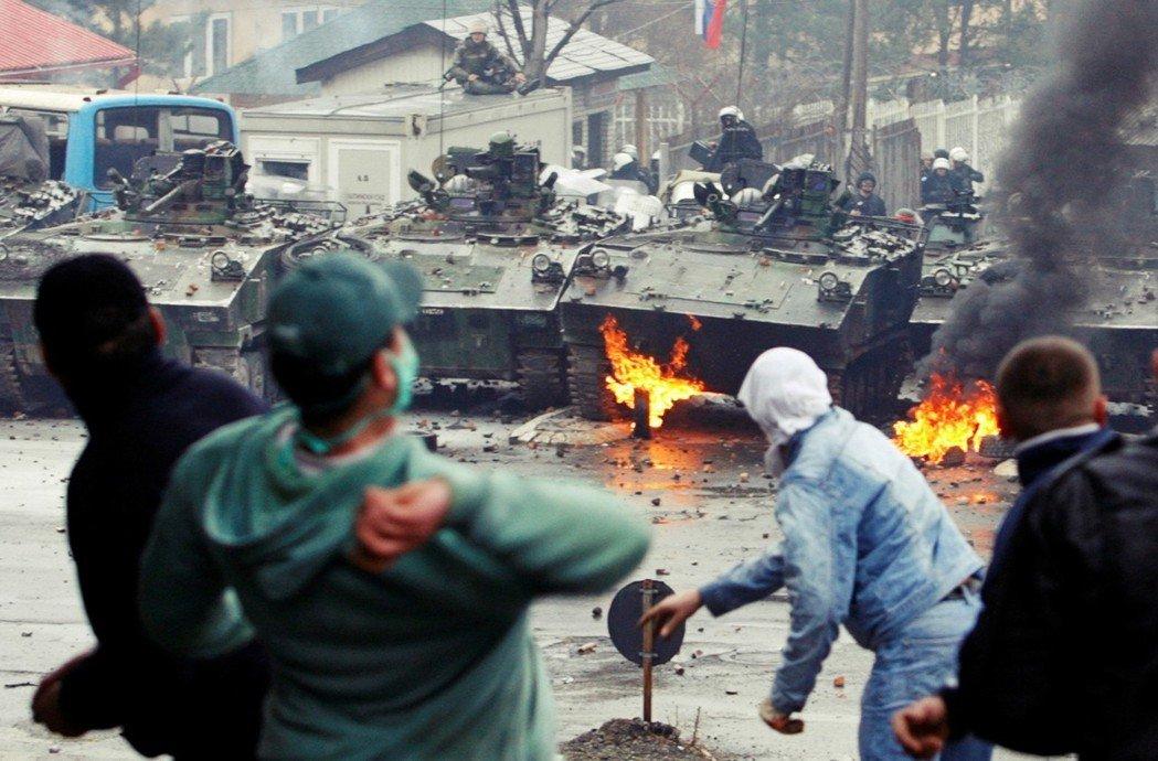 居住於北科索沃的塞族人民,不認同科索沃建國的合法性,屢屢發生暴力衝突。像是201...