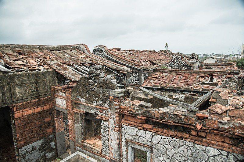 永成古厝是咾咕石堆砌而成的傳統建築群。  攝影|行遍天下