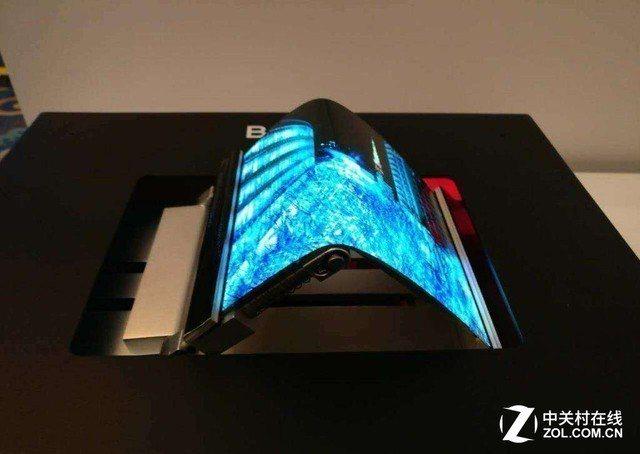 大陸京東方去年底投產6代柔性OLED面板。取自中關村在線