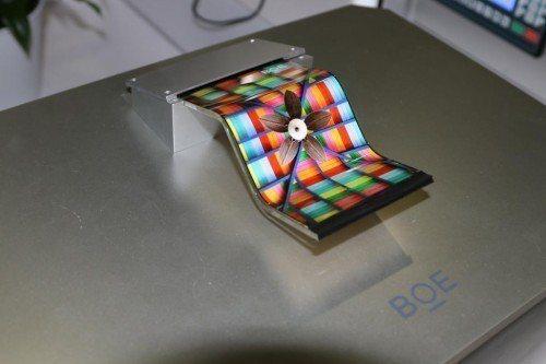 大陸京東方去年底投產6代柔性OLED面板。取自顯示網