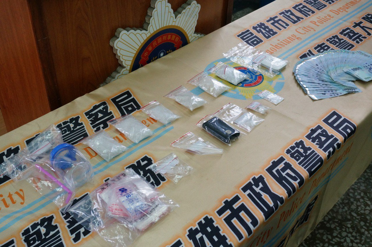 兩人涉賣毒品安非他命及海洛因。記者林伯驊/攝影