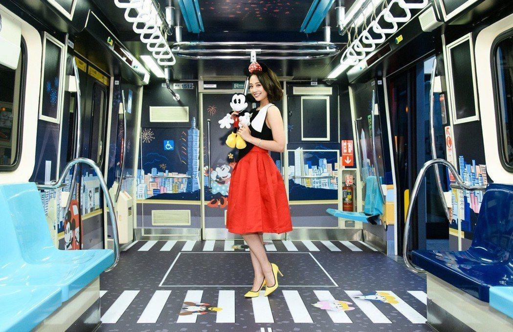吳映潔31日出席全台首輛米奇彩繪列車啟航記者會。圖/迪士尼提供