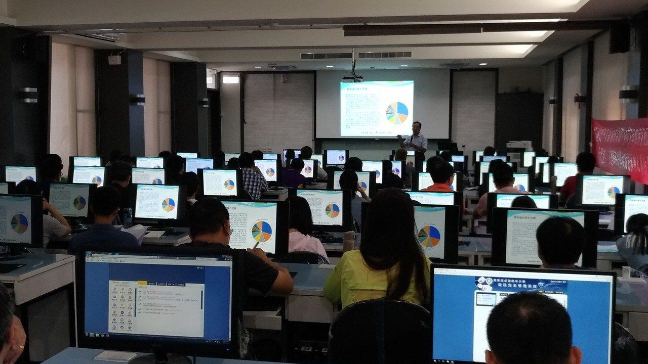教育部推動「全國國中小資訊安全線上評量系統推廣實施計畫」。圖/教育部提供