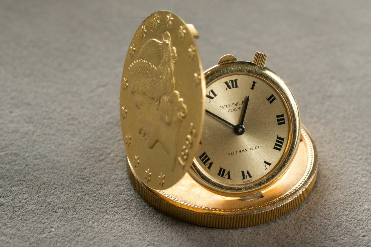 現在已經相當少見的金幣表亦是一種金雕工藝。記者/陳立凱攝影
