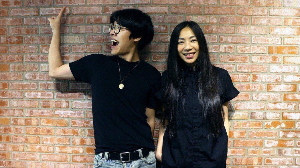 萬芳與盧廣仲開會笑聲不斷。圖/聯成娛樂提供