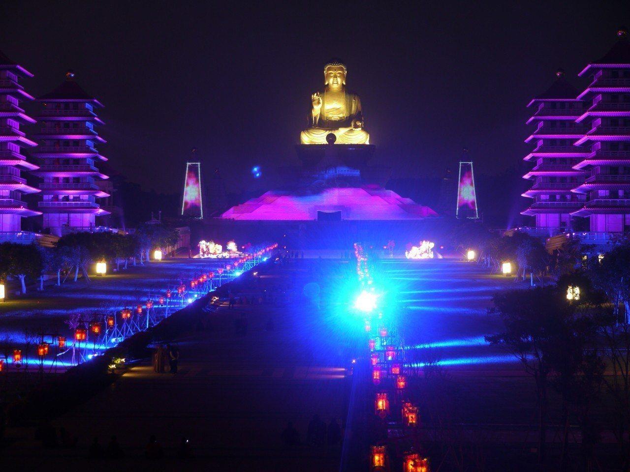 佛陀紀念館是南台灣著名的宗教勝地,每年春節期間遊客眾多。圖/本報資料照