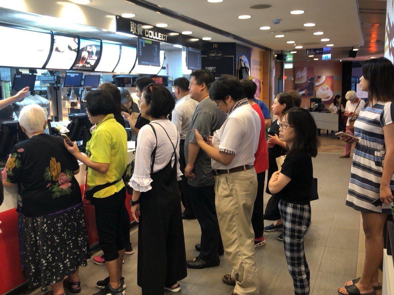 麥當勞買一送一引起全民瘋搶。圖/麥當勞提供