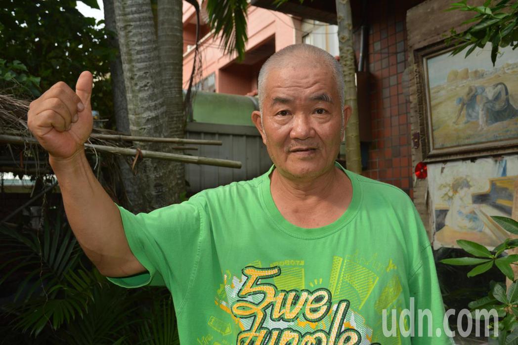 自稱「老農」的李驥羣今天湊足新竹市長參選登記費20萬元,他說,參選的動機是要揭弊...