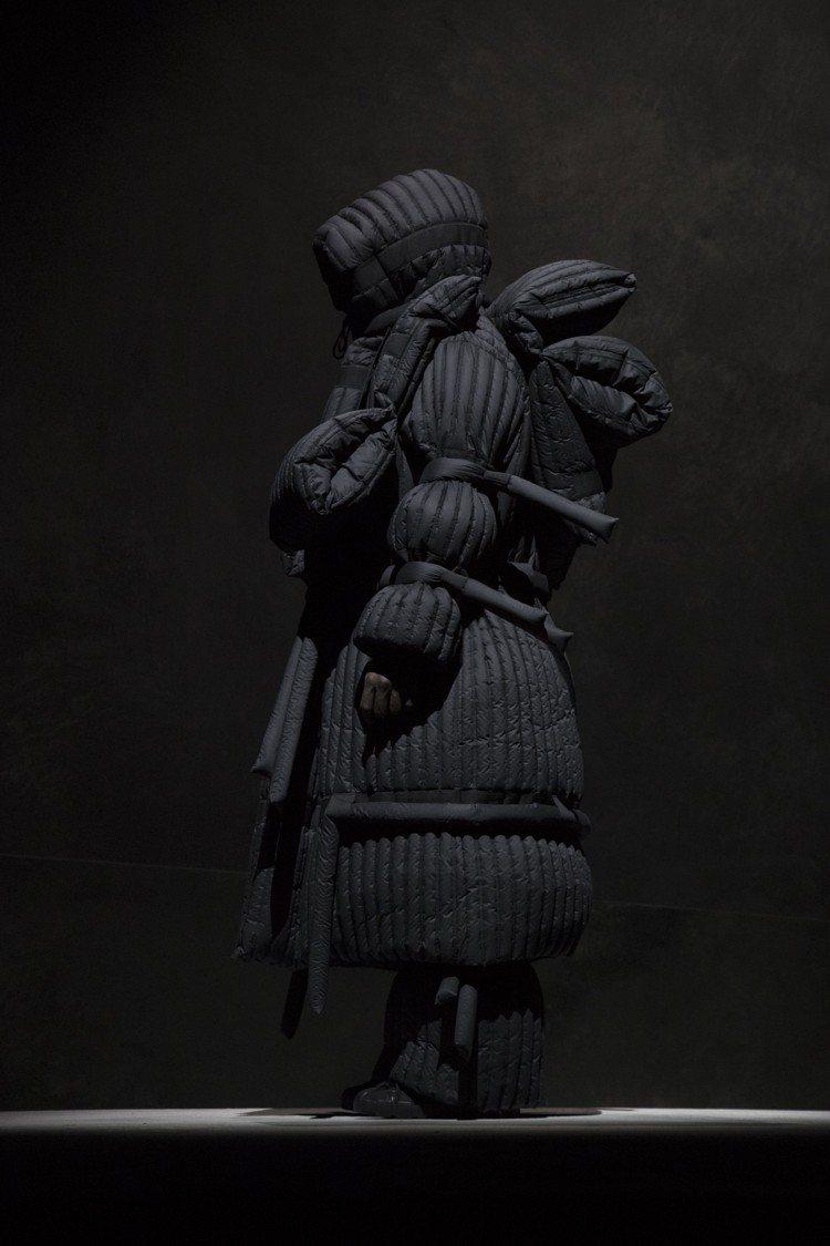 異次元的氛圍讓Craig Green作品有強烈的存在感卻又很輕盈。圖/MONCL...