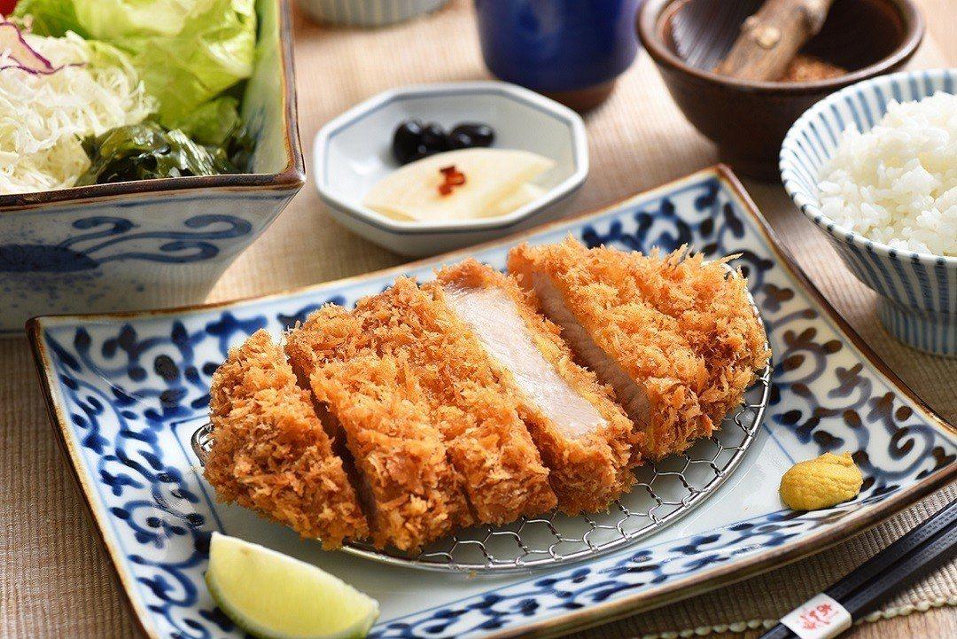 杏子豬排後切里肌豬排套餐。圖/王座國際餐飲提供