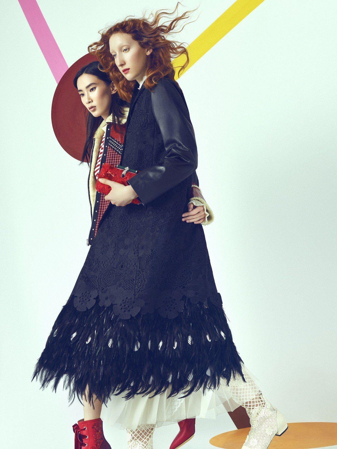 刺繡混紡羽毛帶來哥德風的神祕感。圖/夏姿提供