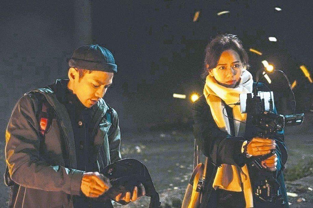 粽邪 鄒承恩(左)、夏于喬拍攝「粽邪」發生許多靈異事件。 華影國際/提供