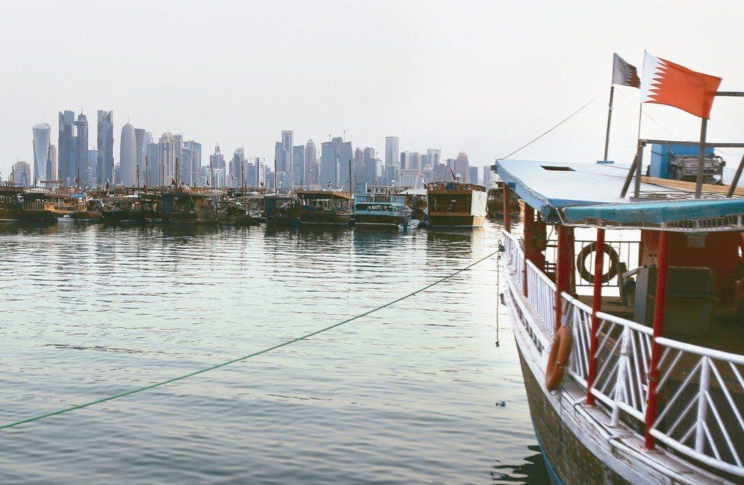 卡達商港面向波斯灣。 美聯社