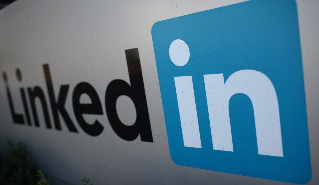 美指華利用LinkedIn招間諜。路透