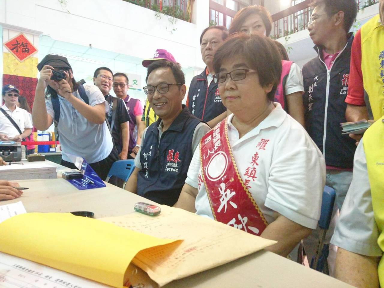 宜蘭縣羅東鎮長3位參選人都是女性,圖為參選人吳秋齡。資料照片
