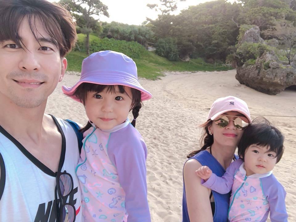 休杰楷、賈靜雯結婚3年育有咘咘、Bo妞,2 萌娃超可愛。圖/摘自臉書
