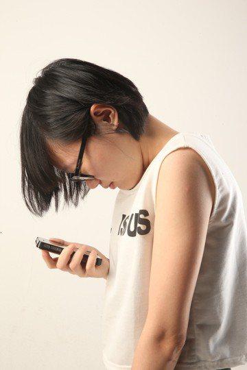 英國3C保險機構「Insurance2go」針對手機細菌進行的研究,發現手機比您...