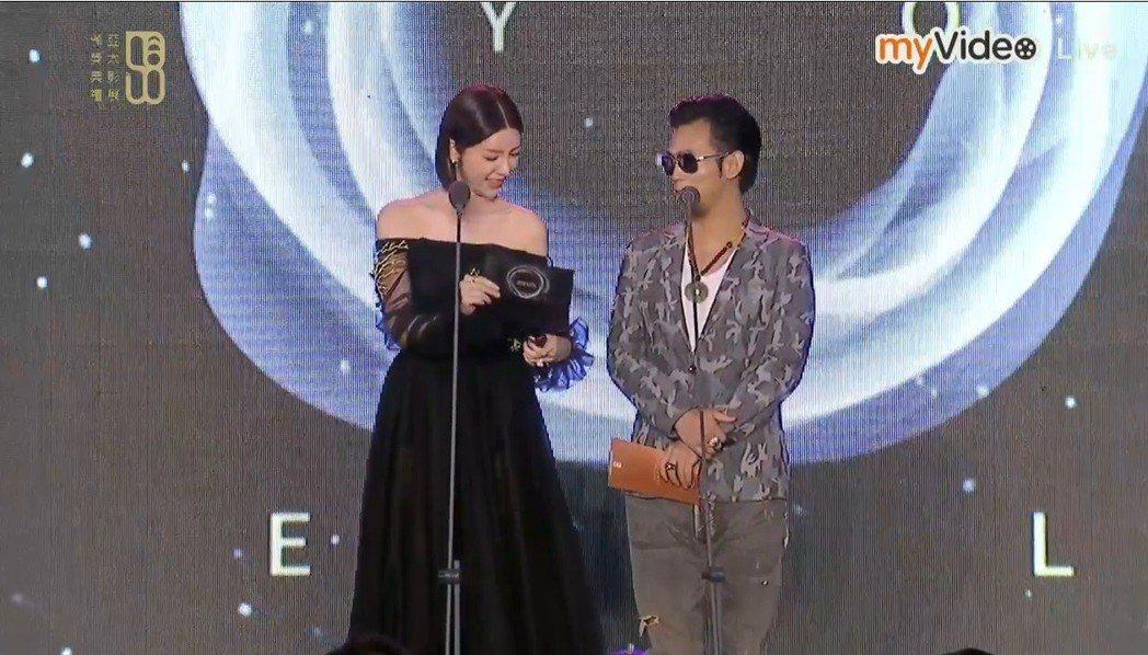 郭雪芙與顏正國擔任亞太影展頒獎人,看到得獎名單卻都愣了一下。圖/翻攝自myVid